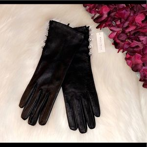 🆕WHBM Black Leather Crystal Button Side Gloves